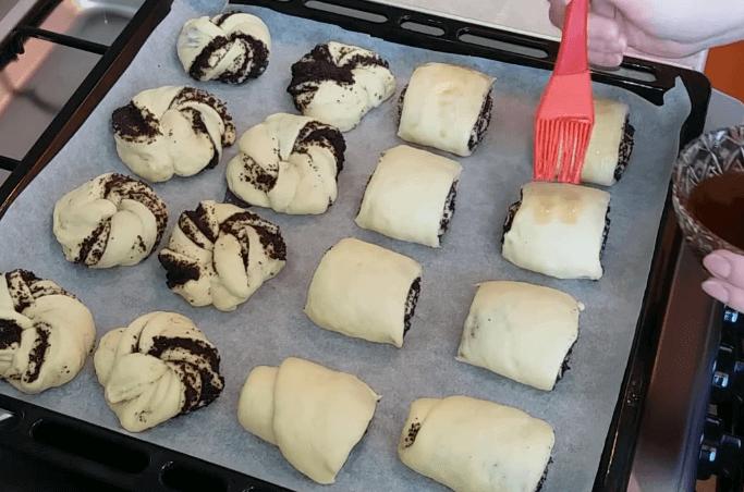 Булочки с маком. 5 вкусных рецептов маковых булочек из дрожжевого и бездрожжевого теста