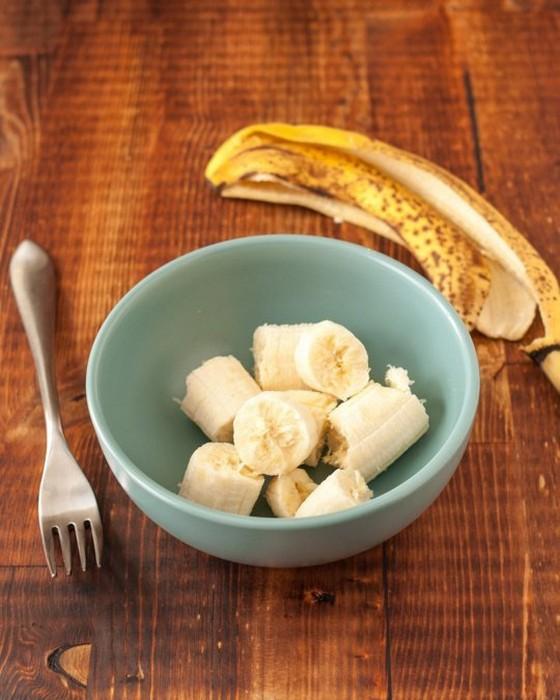Банановые блинчики: быстрый и полезный перекус всего из двух ингредиентов