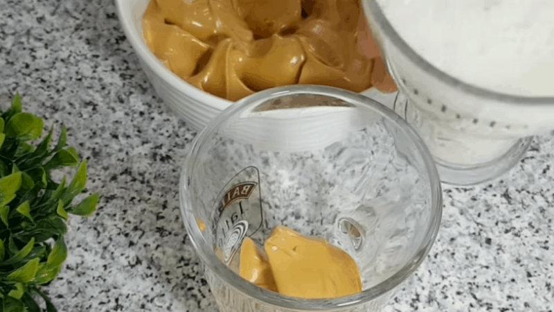 Нежная сладость с великолепной пенкой: домашний капучино за пару минут