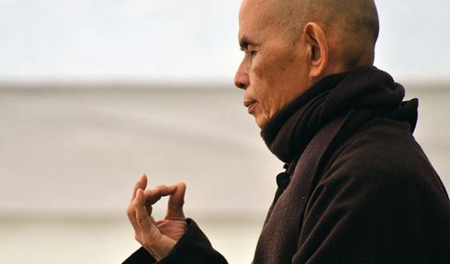 «Если вы не примиряетесь с собой, счастье с другим человеком невозможно»: Тит Нат Хан о любви и надежде